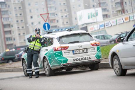 """Policija pasidalino """"gudrybe"""", kaip išvengti baudų už greičio viršijimą"""