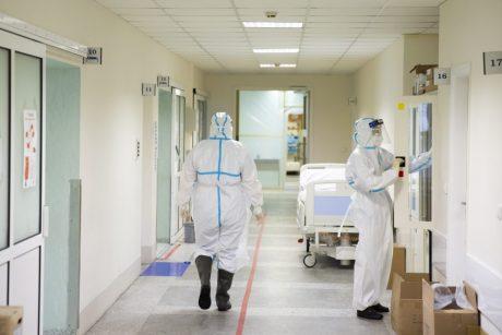 Duomenų apžvalga: ši COVID-19 banga Lietuvoje netrukus taps didžiausia per visą pandemiją