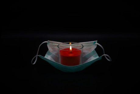 Jungtinėje Karalystėje per parą užregistruota 1 610 mirčių nuo COVID-19