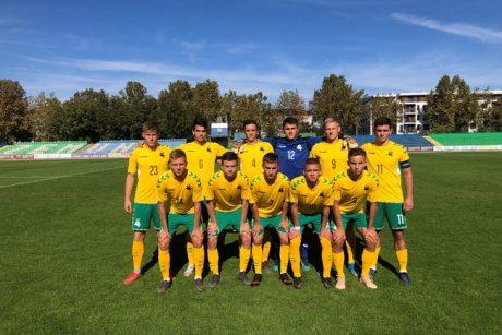 Devyniolikmečiai Lietuvos futbolininkai netikėtai įveikė Rumuniją