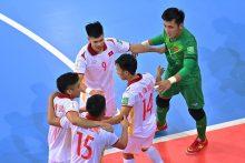 Pasaulio salės futbolo čempionato šeštoji diena: istorinis pasiekimas teisėjų fronte