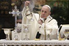 Popiežius Didįjį ketvirtadienį pradėjo Velykų šventimą