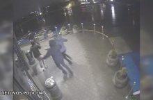 Sučiupti žaibiškomis vagystėmis iš parduotuvių sostinėje įtariami vyrai <span style=color:red;>(vaizdo įrašas)</span>