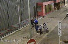 Šiaulių policija ieško vaizdo kameromis užfiksuotų asmenų <span style=color:red;>(gal atpažįstate?)</span>