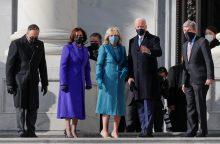 J. Bidenas atvyko į inauguraciją Kapitolijuje <span style=color:red;>(tiesiogiai)</span>