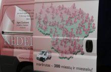"""Rožinis """"Nedelsk"""" autobusėlis atvyksta į Vilnių <span style=color:red;>(vietos ir laikas)</span>"""